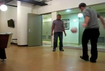 Jongler avec un ballon de football FAIL