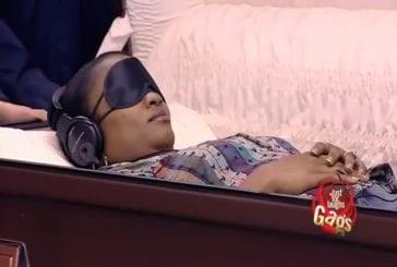 Relaxation dans un cercueil