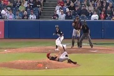 Lanceur de baseball a un réflex de fou