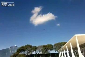 Mirrages de l'Air Force Brésilien détruise un bâtiment du gouvernement