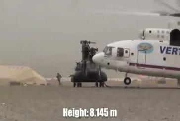 Gigantesque hélicoptère russe soulève un chinook