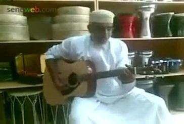 Vieux marocain chante Bob Marley
