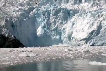 Iceberg provoque un énorme tsunami