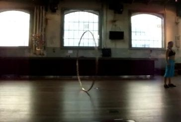 Performance incroyable avec un cerceau