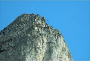 Record du monde de saut en chute libre en suspension