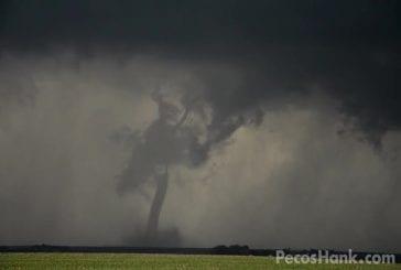 Jolies images de tornades jumelles