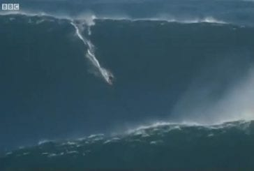 Record du monde de surf sur la vague la plus haute