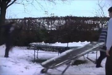Glissade sur une table de ping-pong FAIL