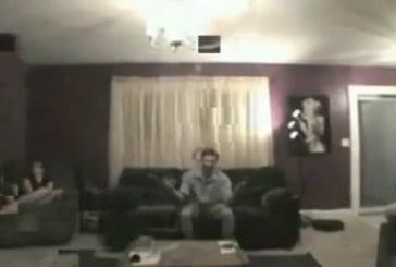 Explosion surprise d'un canapé airbag