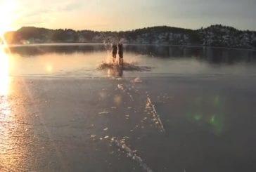 Patiner sur une fine couche de mer glacée
