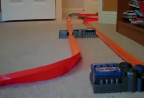 Incroyable circuit de petites voitures