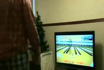 Détruire son écran de télévision en jouant au bowling sur la WII