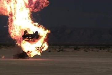 Stuntbusters font exploser une voiture en filmant à 1000 images/sec