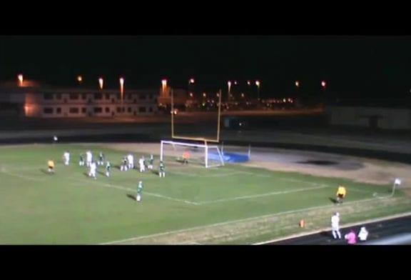 Remise en jeu incroyable lors du dernier match de football de la saison