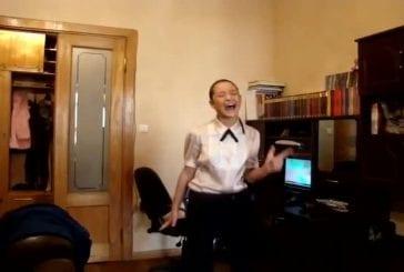 Incroyable chanteuse à domicile