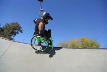 Sport de l'extrême dans un fauteuil roulant