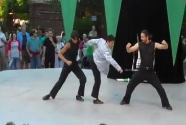 Lutteur ninja acrobates