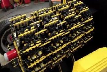 Grandeur nature lego voiture fonctionnant à l'air