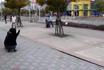 Tremblement de terre au Japon provoque sol pour faire fondre