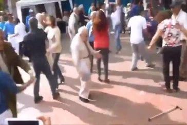 Vieil homme danse mieux que la plupart des gens