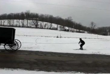 Ski amish derrière poussette!