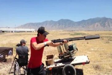 C'est ce que d'un silencieux sur un fusil de chasse ressemble