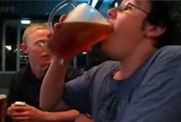 Pichet fou de bière souffle