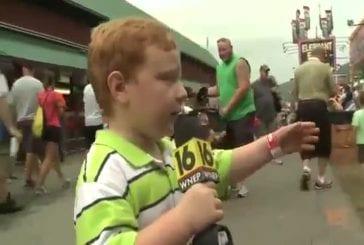 Ne jamais interviewer en direct à la télé un jeune garçon