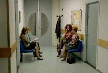 Quand quelqu'un parle fort au téléphone dans la salle d'attente
