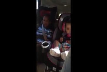 Garçon hurle sur sa maman pour qu'elle tombe enceinte