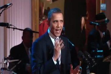 Obama chante