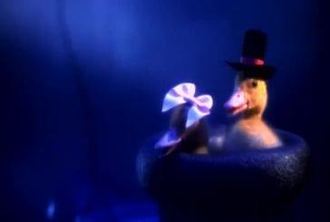 Quelqu'un a fait une version live action de la chanson ducktales thème