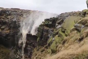 Kinder Downfall, la cascade qui coule vers le ciel