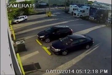 Mécanicien sauve une vieille voiture de justesse