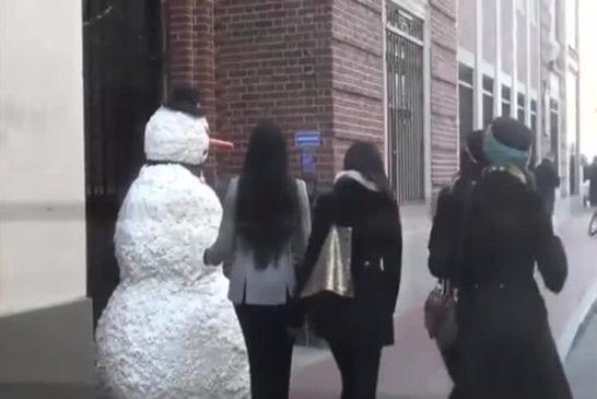 Effrayante blague du bonhomme de neige