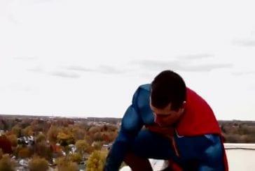 Super-héros sauvent les enfants de l'hôpital de Toledo Promedica