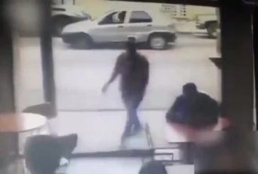 Voleur se fait frapper par voiture immédiatement après avoir volé iphone