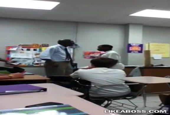 Enseignant écrase un combat comme un patron