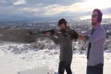 Cup Song avec des fusils