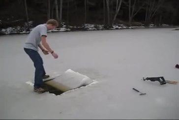 Piscine sous la glace
