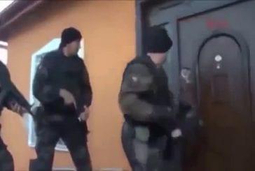 Porte brèche par les forces spéciales turques