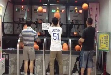 Ce mec sait jouer au basket ball