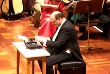 Solo de machine à écrire avec orchestre