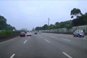Salaud en Ferrari provoque un accident