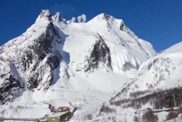 Enorme avalanche dans les montagnes norvégiennes