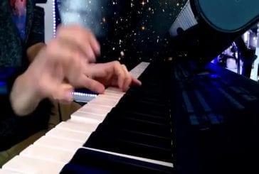 Pianiste talentueux du nom de Jason Sangsue