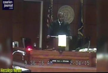 Juge noir va du blanc sur les victimes de l'invasion de domicile pour le racisme