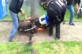 Régis fait un burn et brûle sa moto