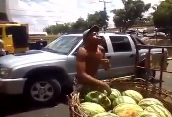 Transporter des pastèques comme un pro